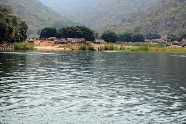 Village de Kantalamba, sud du lac Tanganyika.